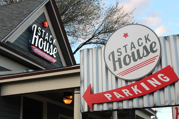 The Glut Life Reviews Stackhouse Burgers Dallas
